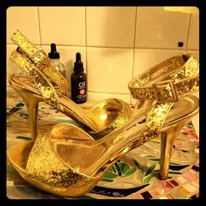 "Lava Gold Heels Ankle Strap 4.5""Heel  sz 8 1/2 B"